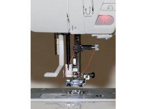 W6 N 5000 automatischer Nadeleinfädler